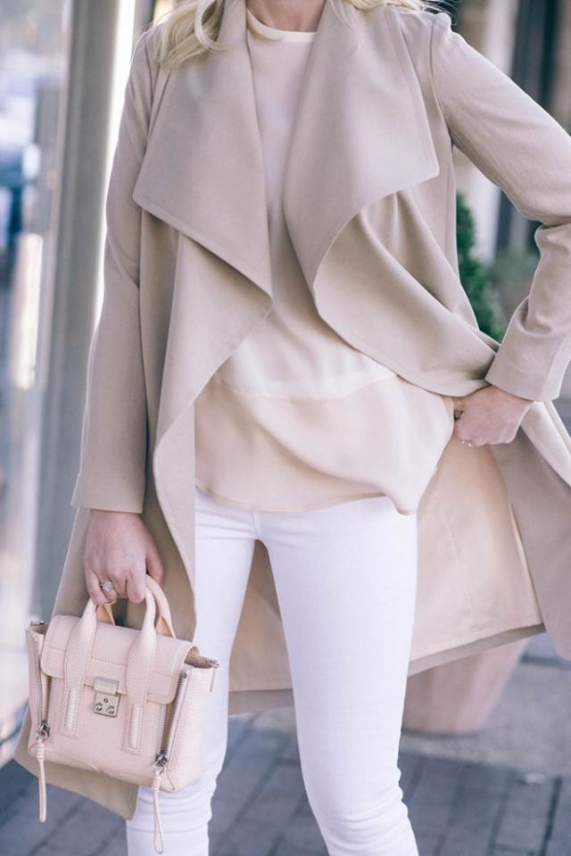 Modern Trench: Trench coats are not only great for fall weather, they are also a great addition to many outfits. The well-known Kim Kardashian shows off her love for the trench regularly over a tight dress. Pair it with a pair of ripped jeans for a more relaxed look.
