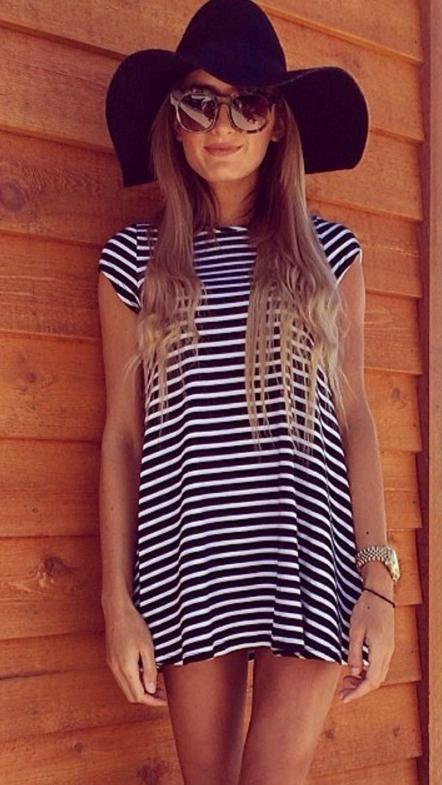 1. Go for this classic, all-American look: a striped dress with a floppy hat. You can't go wrong!