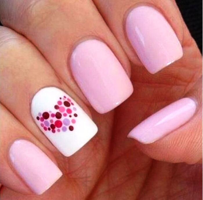 DESIGNS! Nails with designs are for those perfectionists that have the time to look perfect!