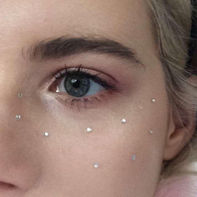 Aesthetic Makeup Looks By Ella Jade Musely
