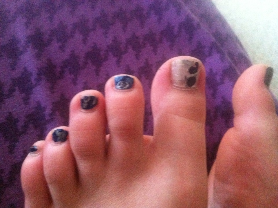 The big toe is a white or silver background, with a semi colon to represent the fight I have with depression. The rest of the toes are black with rain clouds.