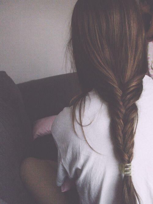 A loose fishtail braid. 🐠