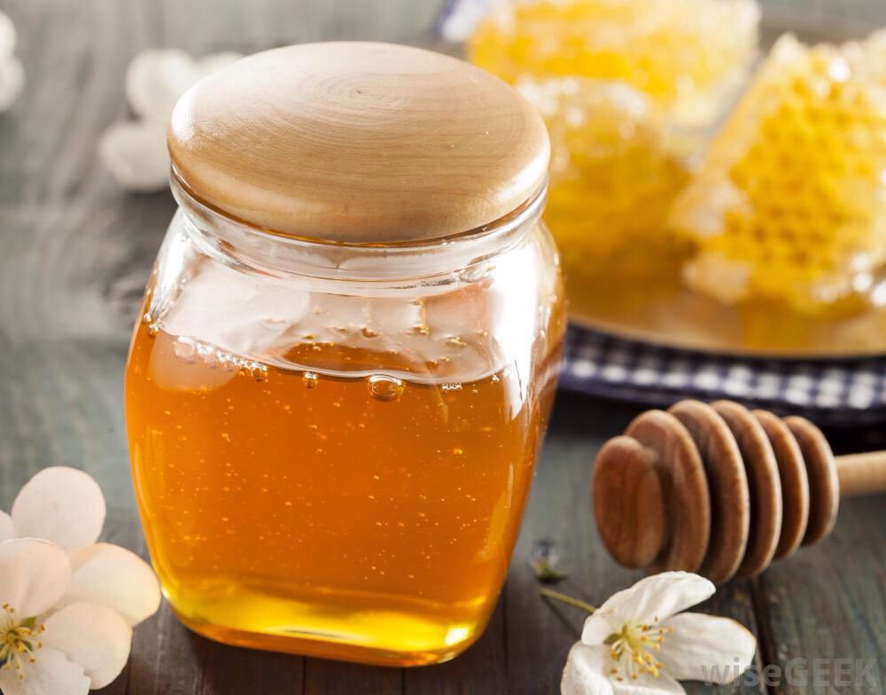1️⃣ | Honey is a natural moisturizer. Apply honey on face for 15-20 minutes, + then wash it with lukewarm water. You can also add few drops of lemon in honey. For fresh + glowing skin, repeat this skin care tip2 to 3 times a week.