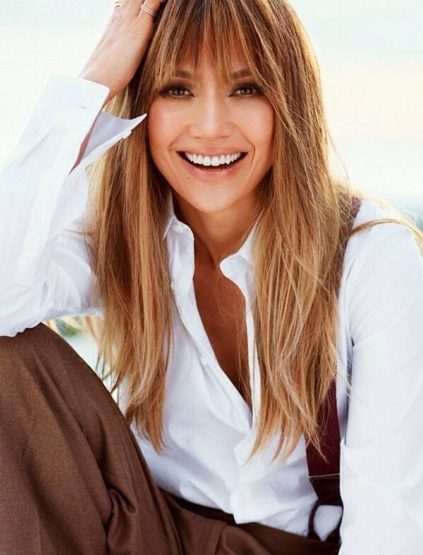 Gold is a great color for 2014. Celebrities such as Jennifer Lopez have long been adding pops of gold to their locks. The result is a fresh and dynamic hair color. Adding gold to your blonde or brunette hair is a simple way to make big changes to your hair in 2014.