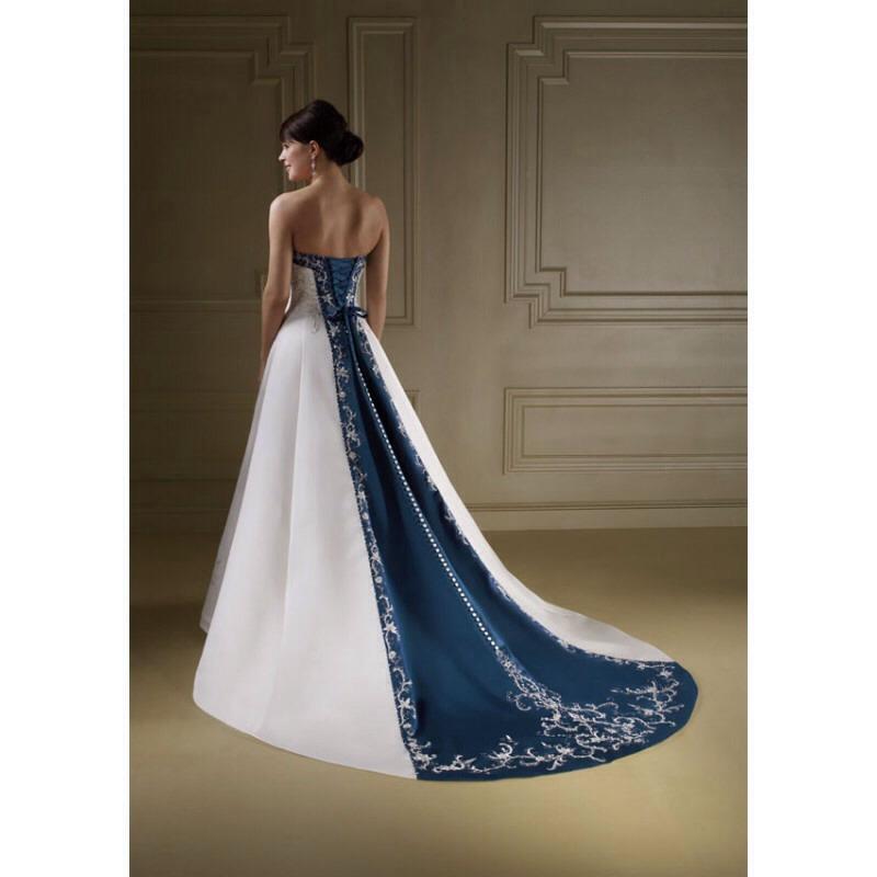 Trailing dress