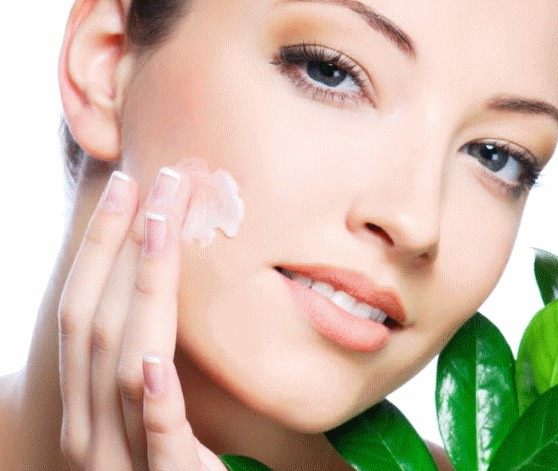 GET RID IF ACNE NATURALLY:To deal with acne at home, mash one onion and dip it in vinegar. Leave it overnight and then apply it on the affected areas. Do this daily and within 3-4 days, you will have smooth and acne free skin.