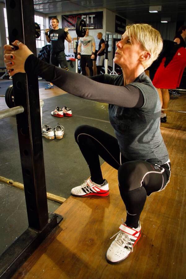50 deep squats
