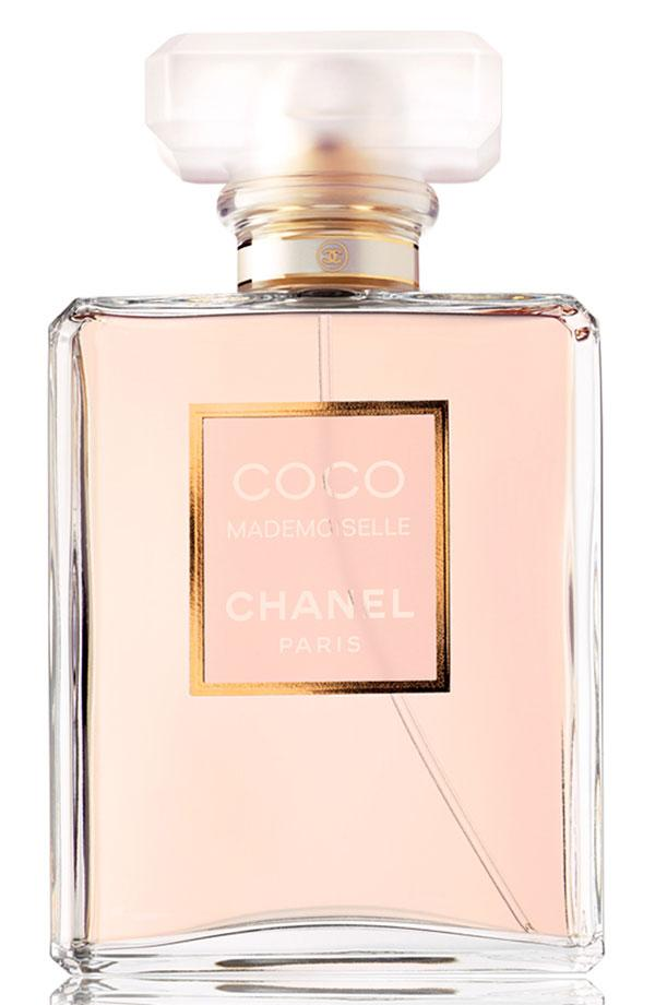 She wakes up at 6 a.m., runs 5 miles, gets her morning chai tea & is in the office looking chic & polished by 9. Wake up & repeat. U feel lazy just listening to her schedule & are trying to find her on/off switch when she's not looking 'coz you're convinced she is actually a robot. Chanel Coco Madem