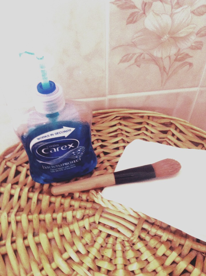 What you'll need: Your dirty foundation/makeup brushes. Some sort of liquid soap (I use any that i can find in a pump container as shown). Something to lay your clean brushes on as they dry (like toilet/kitchen roll or a towel).