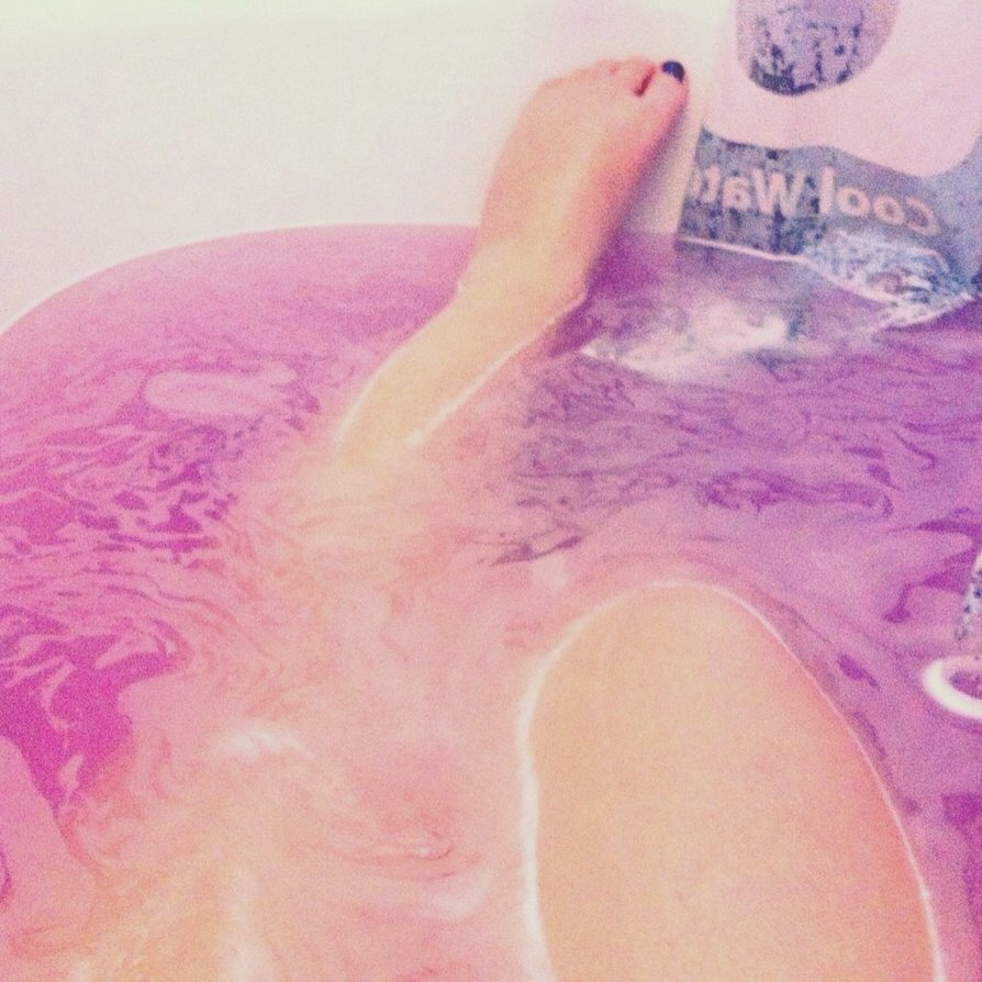 Long baths 💆with bubbles, lush products, scented candles, music/silence/books 👑 all optional