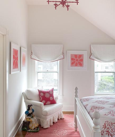 Subtle and Sweet A pink bedroom needn't feel childish. Bring in decorative elements—dhurrie on the floor, framed modern prints on the walls—to keep the style fresh and relevant.